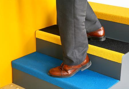 Антискользящее покрытие на ступени, плитку, пол