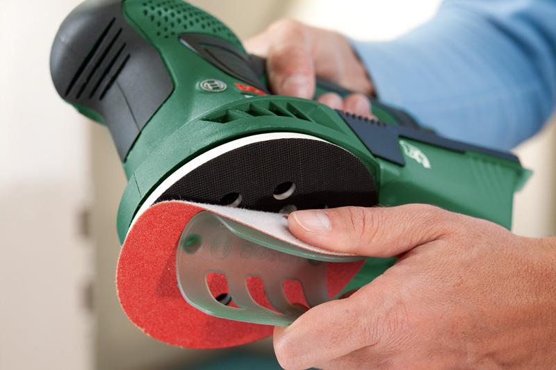 Эксцентриковая шлифовальная машина совмещает в себе функции вибрационных и дисковых устройств