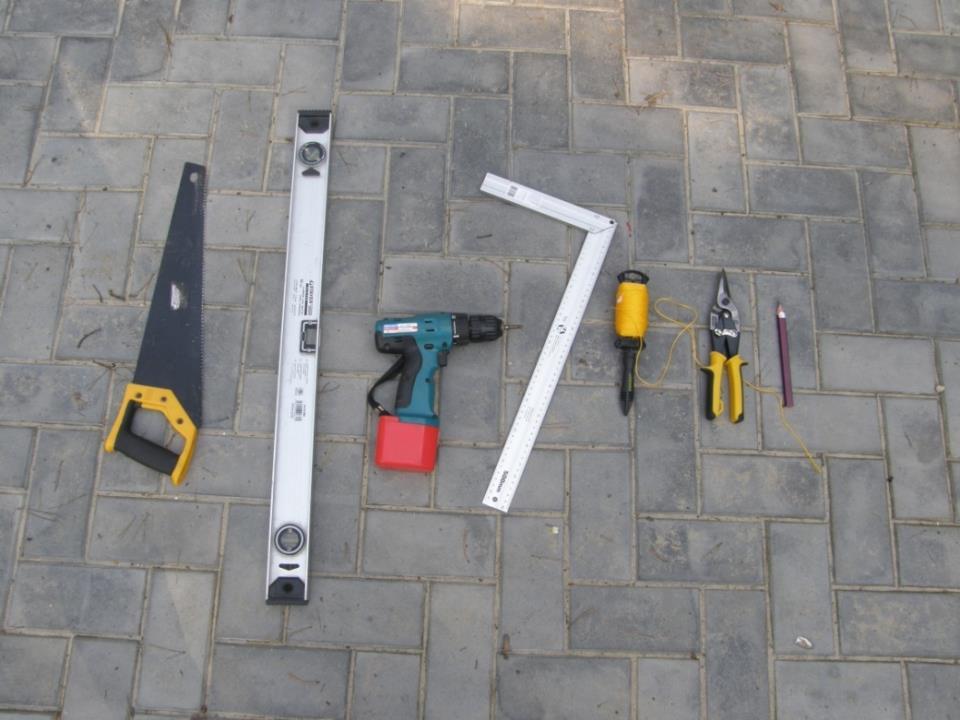 Инструмент для укладки лаг