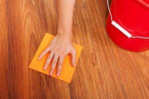 Как удалить краску с линолеума: удаление свежих и засохших пятен