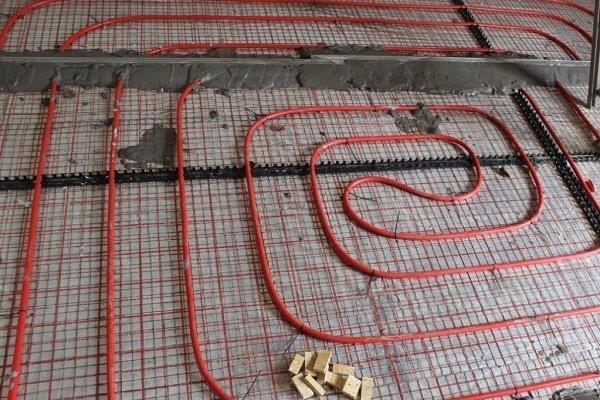Укладка змеевика на расчерченную подложку