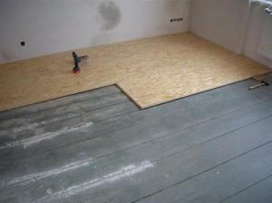 Ровняем деревянный пол под линолеум