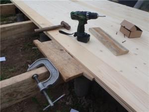 фото: настил доски на деревянные лаги