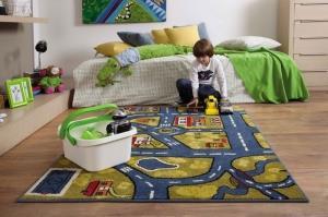 Яркий коврик в детскую