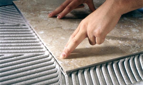 укладка плитки в ваннои на пол