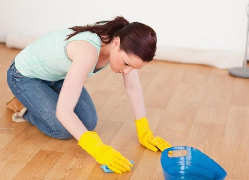 Чем мыть линолеум: как обновить в домашних условиях, уход за полом и лучший рельеф, чистка и полировка, средства
