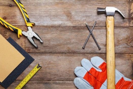 Инструменты для деревянного стола