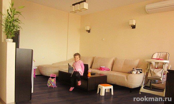 Фото ламината Artens в интерьере спальни