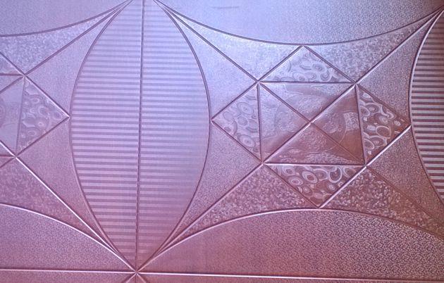 Вид пола покрытого 3D-ламинатом SHINEWOOD (артикул К2). Целостный вид мозаики листа.