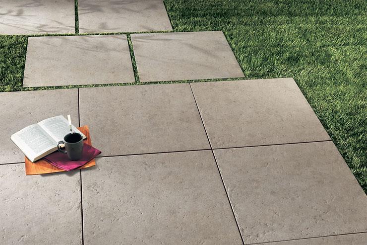 Керамогранит толщиной 2 см для укладки на газоне без клея