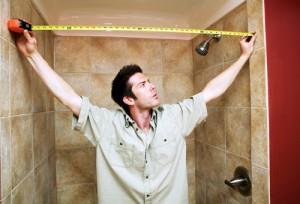 Перед укладкой ламината обязательно измеряем комнату