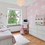Трехполосный ламинат в детской комнате
