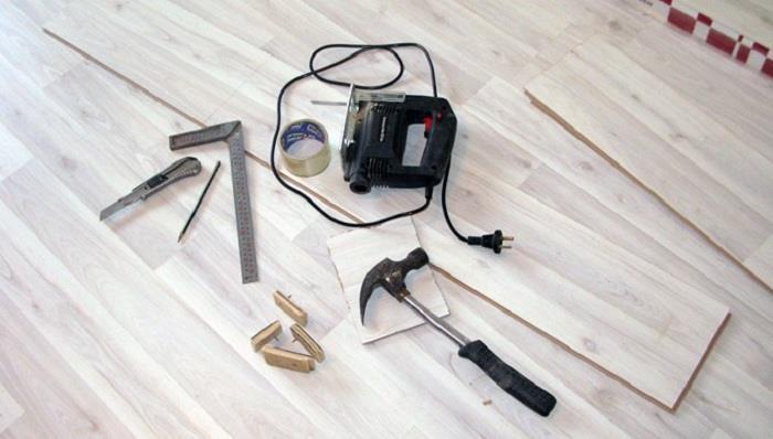 Инструменты по укладке ламината фото