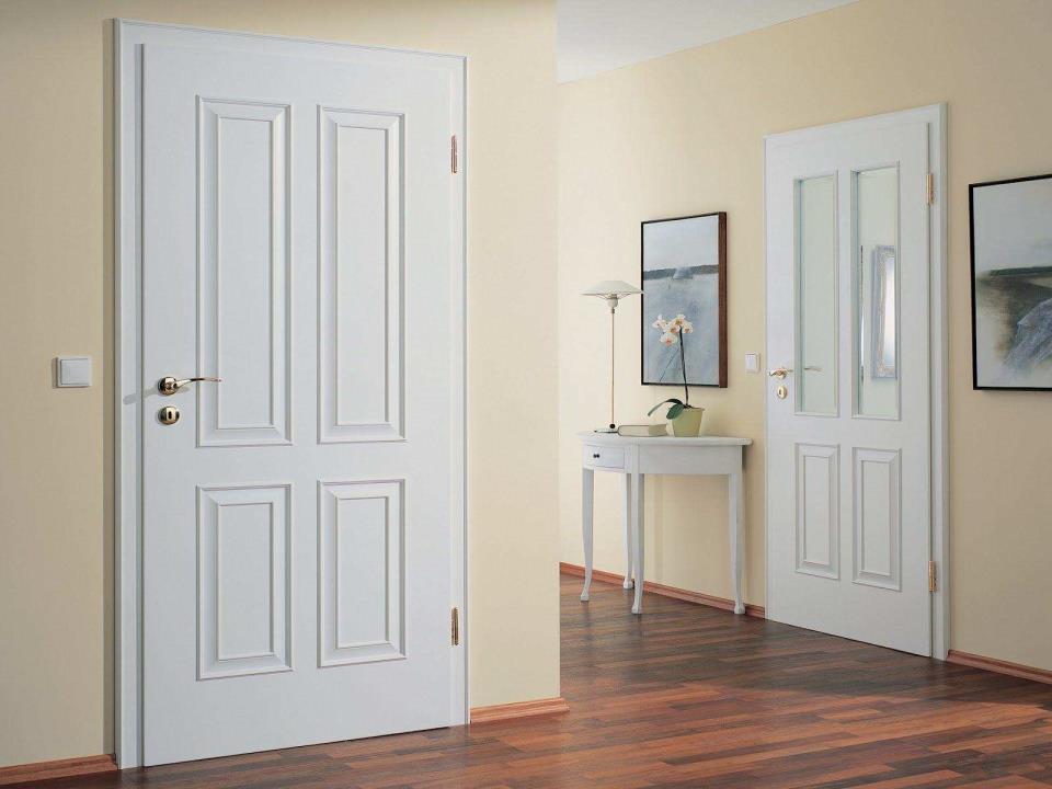 Чисто белые двери