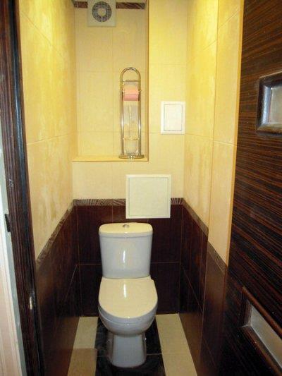 Плитка под дерево в туалете