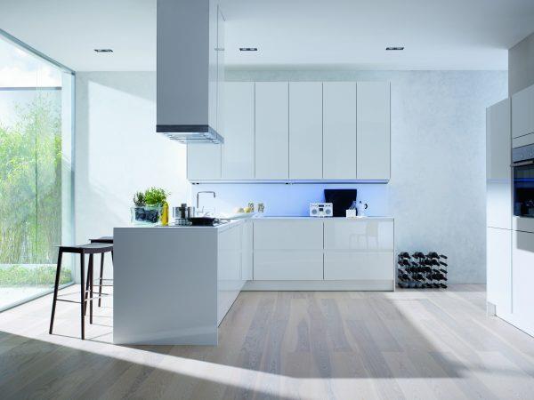 Белый ламинат для кухни