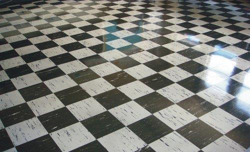 Черно-белая глянцевая плитка