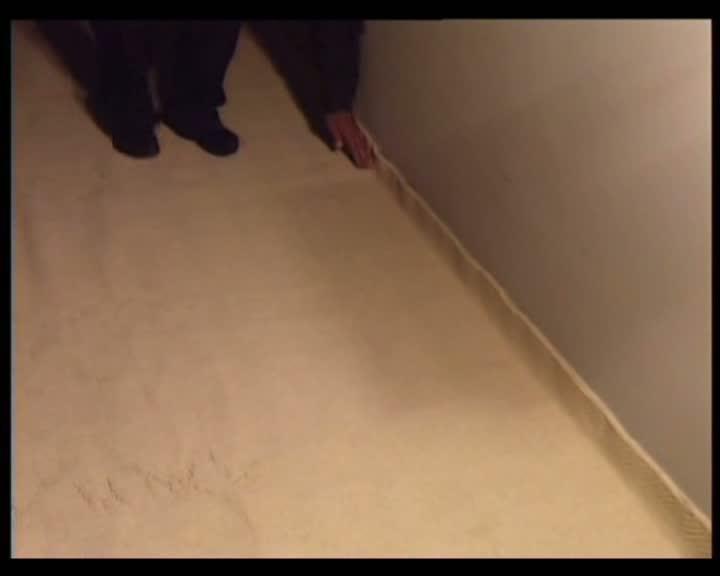 laying_carpet_1