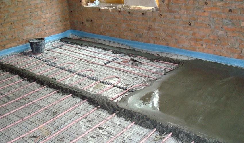 Заливка стяжки поверх бетонного пола