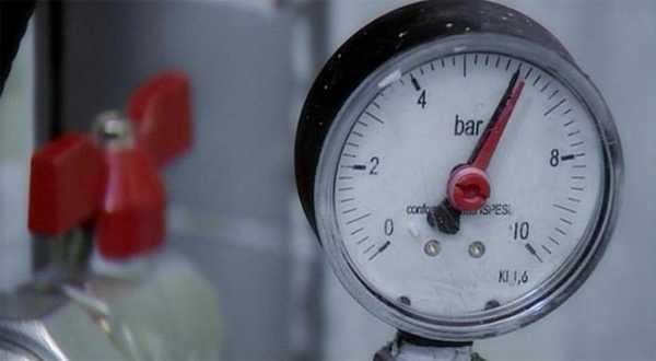 Перед заливкой стяжки или укладки плит жесткого основания систему теплых полов тестируют под давлением - опрессовывают