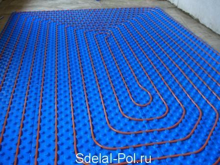 Укладка труб спиралью на термоизоляционные маты