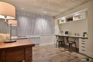 Потолочная плитка в современном помещении