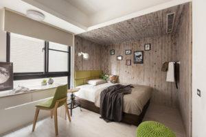 Ламинат на стене и потолке