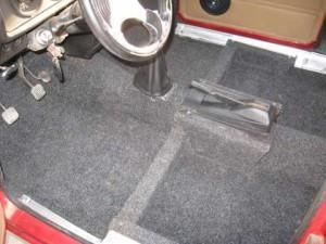 прорезиненный коврик в авто