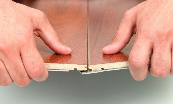Стыки ламината с фаской необходимо защитить лаком или специальной пленкой
