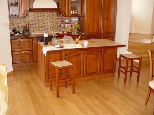 Следы от мебели не испортят внешний вид ламината