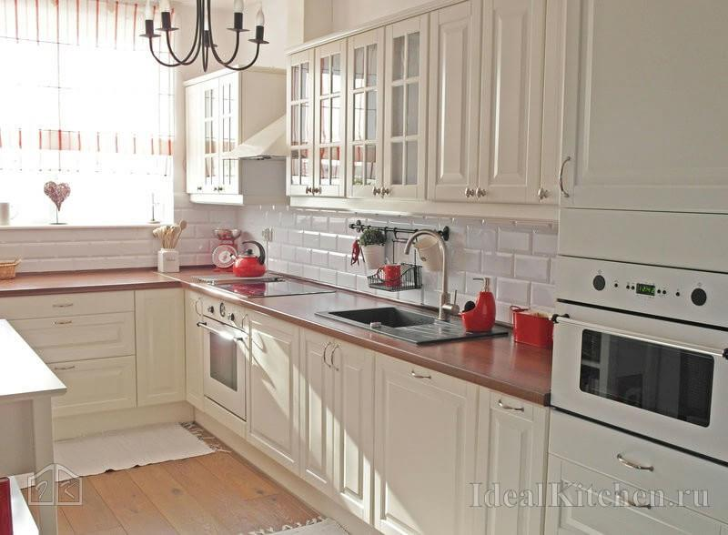 белая кухня Будбин от Икеа