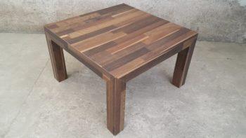 Маленький стол из ламината