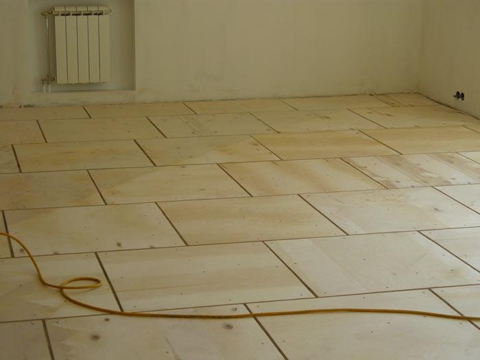 Фанеру применяют для выравнивания деревянных полов