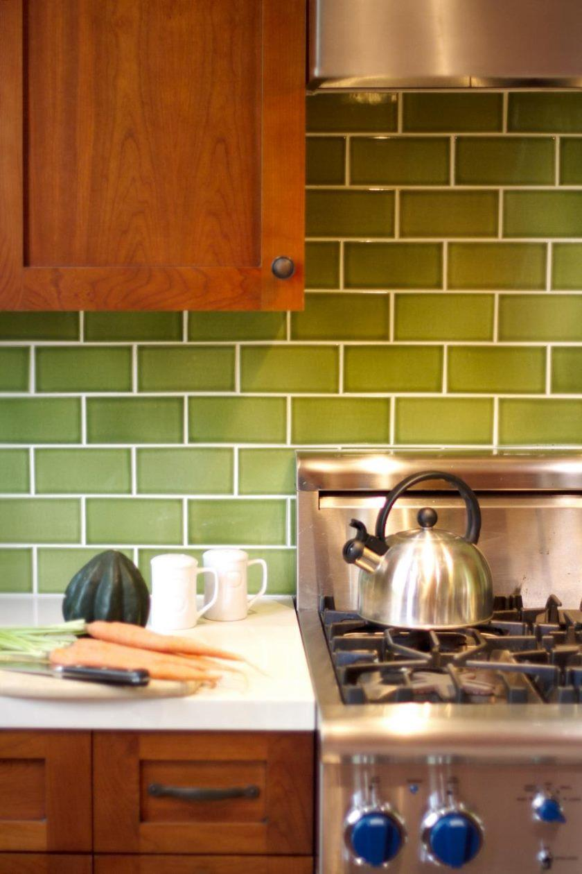 dp_kari-mcintosh-dawdy-green-arts-and-crafts-kitchen-range-detail_v-jpg-rend-hgtvcom-966-1449