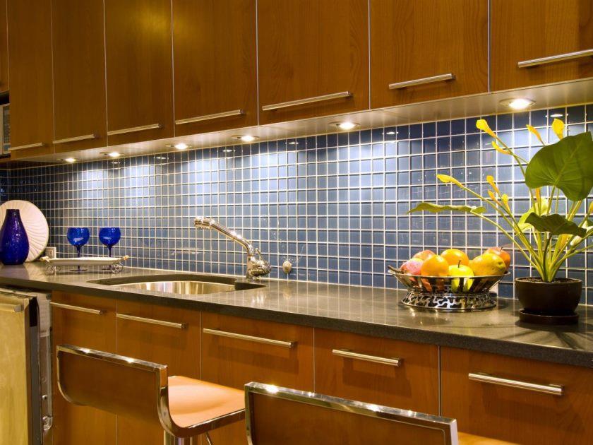 ts-87640980_kitchen-tile-backsplash_s4x3-jpg-rend-hgtvcom-1280-960