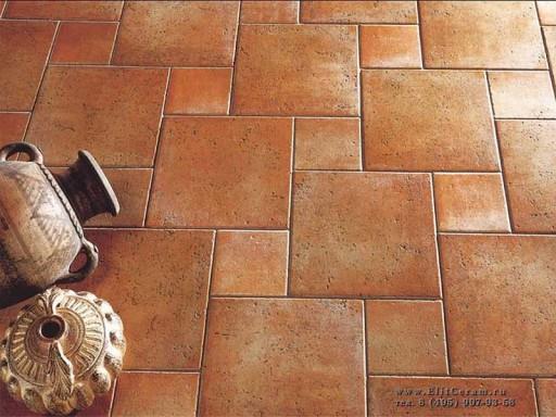 Нестандартный способ укладки керамической плитки на полу кухни