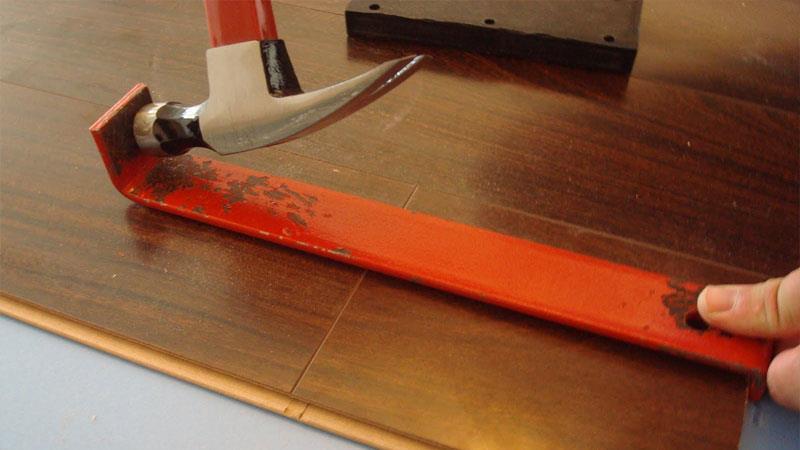 Скоба - удобное приспособление для укладки ламината