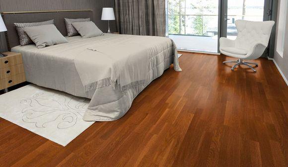 деревянный пол в инерьере коттеджа