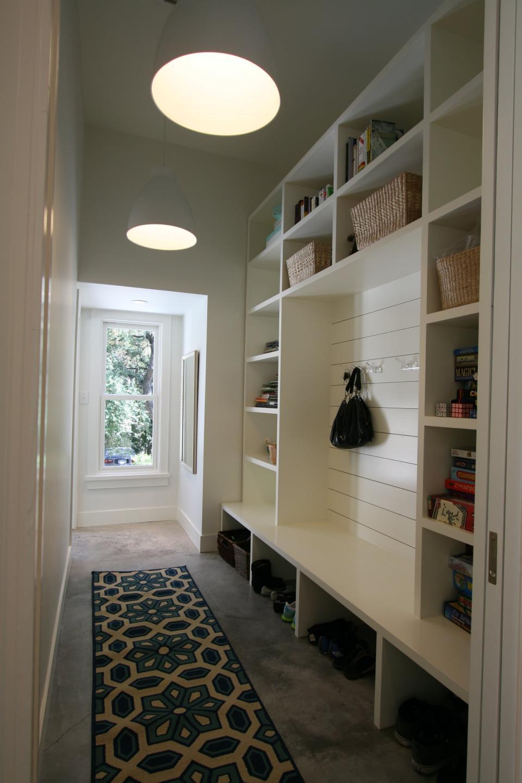 making-the-floor-in-hallway-photo-04