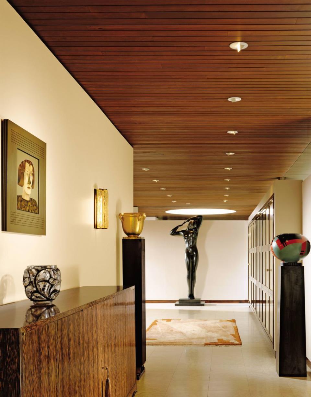 modern-entrance-hall-juan-montoya-design-pound-ridge-new-york-200703-2_1000