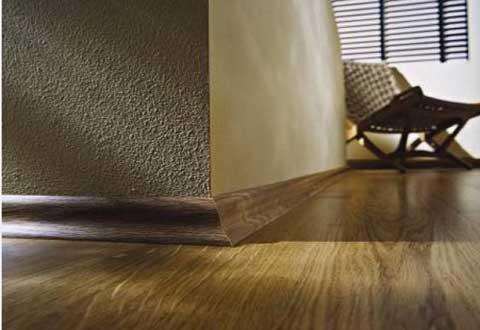 плинтус для паркета деревянный