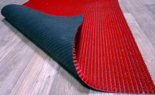 Грязезащитный коврик на ламинате