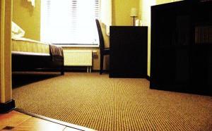 ковролин в комнате