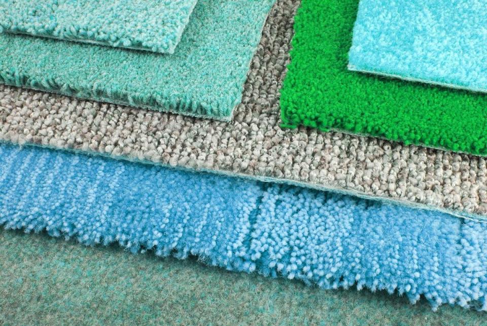 Выбирать ковролин следует, исходя из дизайна помещения, его размеров и финансовых возможностей