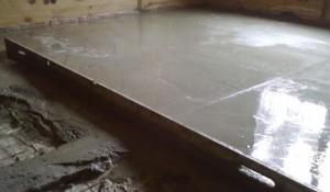 бетонный пол
