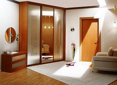 Использование коврового покрытия в интерьере прихожей