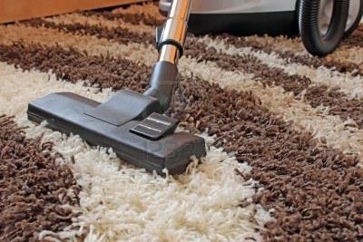 Сухая чистка ковролина пылесосом
