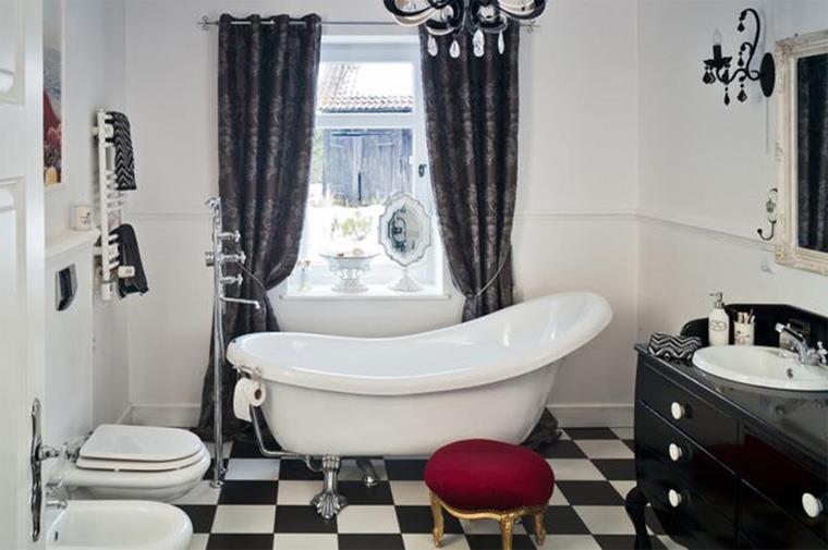 Ванная комната в стиле ретро с шахматным узором на полу, фото