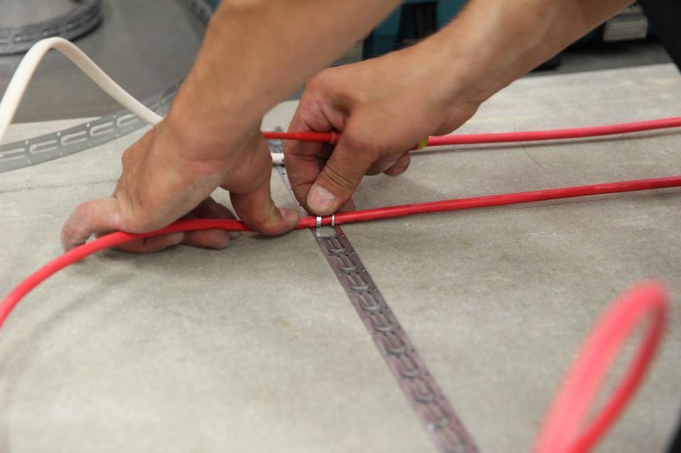 Фото 5 Монтаж электрического нагревательно кабеля