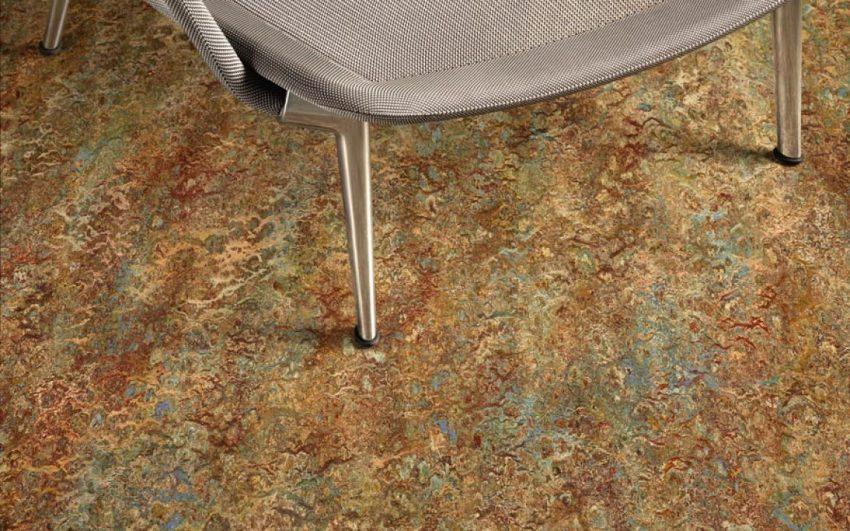 Коммерческие напольные покрытия — наиболее универсальные и применяются как в жилых комнатах, так и в общественных помещениях